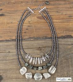 #DIY instructions for this #metallic layered necklace