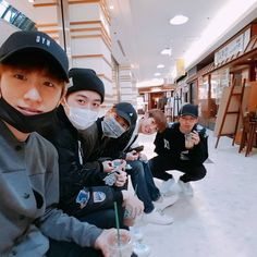 Minwoo & 95 line ~ 우리일본갔을때사진ㅎㅎ #95 #여행 #내가뽑은인형