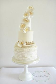 Orchid & Pearls Wedding Cake