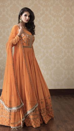 Indian Gowns, Indian Attire, Indian Outfits, Indian Long Frocks, Ethnic Outfits, Indian Wear, Shadi Dresses, Pakistani Dresses, Frock Fashion