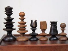 ANTIQUE 18th C. LARGE  ENGLISH  PLAYING  CHESS SET  K 80 mm  + BOX - NO  BOARD