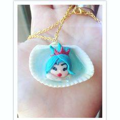 Earine, Marina, dal mare. Regina di tutte le creature marine. #polymerclay #fimo #mermaid #handmade #sirena #conchiglia #shell #mermaidinashell