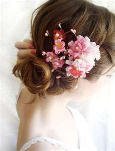 Cherry blossom hair piece. #wedding #weddinginvitations
