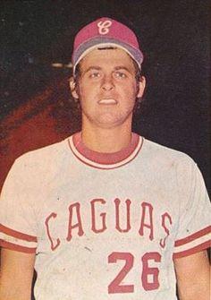 Bob Boone, en la temporada 1973/74, vistió la camisa de los Criollos de Caguas en la liga de Puerto Rico.