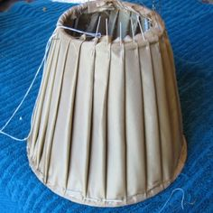 Lampshade manufacturing in Cape Town. Shabby Chic Lamps, Shabby Chic Crafts, Diy Arts And Crafts, Handmade Crafts, Lamp Shade Frame, I Love Lamp, Diy Curtains, Sewing A Button, Clever Diy