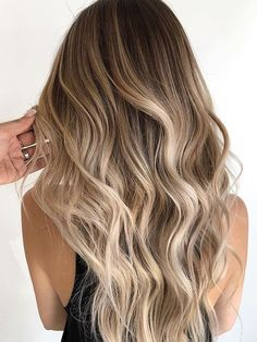 A blonde balayage for the ages— neutral light brown root shade fading into the. A blonde balayage Hair Color Balayage, Hair Highlights, Hair Colour, Golden Highlights Brown Hair, Golden Hair, Color Highlights, Cabelo Ombre Hair, Pageant Hair, Gorgeous Hair Color