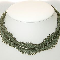 Continuous Fern Necklace | Herringbone stitched fern necklac… | Flickr