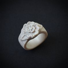 Antler ring Size 8 US Flower ring Antler jewelry Bone Deer Antler Ring, Antler Art, Deer Antlers, Wax Carving, Bone Carving, Dremel Projects, Dremel Ideas, Antler Crafts, Antler Jewelry