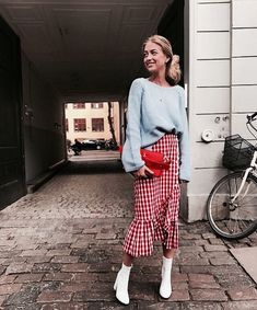 I've Just Found 9 Spring Outfits You Can Copy This Weekend Five of the best spring weekend outfit ideas we've Fashion Week, Look Fashion, Spring Fashion, Autumn Fashion, Fashion Trends, Fast Fashion, Trendy Fashion, Fashion Online, Fashion Tips