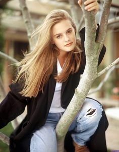 Photographer : Dana Fineman Model : Alicia Silverstone