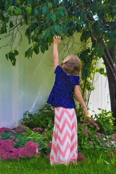 DIY Little Girl Chevron Maxi Skirt Sometimes I get a little bored with my wardrobe. I know I could probably sell my clothes for a m...