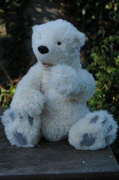 Knut (an original mohair teddy bear by BigFeetBears)