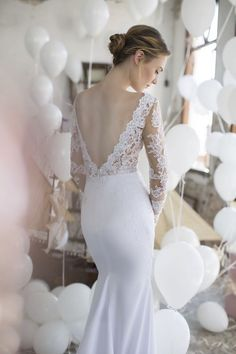 Noya Bridal wedding dress by Riki Dalal. Click to see more and where to buy: http://www.confettidaydreams.com/noya-bridals-valeria-collection-by-riki-dala/