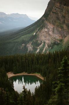 mirror pond // banff national park