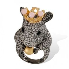Lydia Courteille 'Mouse' ring in blackened gold set with diamonds, pink opals and a golden pearl - Animal Farm Collection High Jewelry, Luxury Jewelry, Jewelry Stores, Jewelry Art, Jewelry Design, Animal Rings, Animal Jewelry, Lydia Courteille Jewelry, Year Of The Monkey