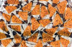 Nussecken: Weltbestes Rezept – besser als beim Bäcker! Okra Recipes, Bean Recipes, World's Best Food, Natural Supplements, Nutritional Supplements, Air Fryer Recipes, Vitamins And Minerals, Eating Habits, Nutella