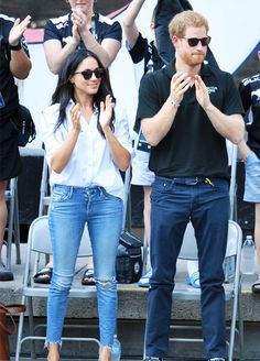 Meghan Markle and Prince Harry made their first official outing together at the Invictus Games and Meghan wore the perfect, relaxed look.