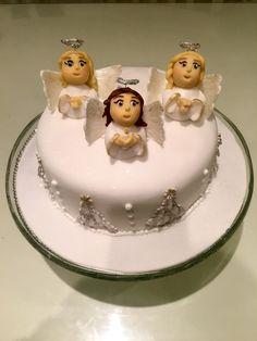 Fondant Christmas cake decoration idea, 3 little angels. Marzipan Icing, Fondant Icing, Fondant Christmas Cake, Christmas Cake Decorations, Making Fondant, Blanched Almonds, Fondant Figures, Baking Tins, Food Coloring