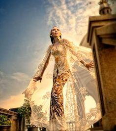 When Feminist Fashion Goes Couture: Anne Avantie, Indonesian Designer Indonesian Kebaya, Indonesian Women, Javanese Wedding, Indonesian Wedding, Dress Brokat, Kebaya Dress, Kebaya Lace, Kebaya Hijab, Traditional Fashion