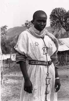 "eastern-bloc-party:"" myjewishaesthetic:""Beta Israel girl in Wallaka, Ethiopia is a look for the ages"" Jewish History, Jewish Art, African History, Africa People, Free Mind, African Tribes, Traditional Fashion, World Cultures, Beautiful Black Women"