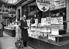 Roger-Viollet - Papeterie Gibert, Boulevard Saint-Michel, Paris, 1952.