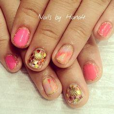 We love #tiedye #nail #nails #nailart #nailarts #nailswag #nailartclub #ネイル #ネイルアート #swarovski #kirakira #instanail #instanails #instanailart #japanesenail #japanesenailist #summer #summernail #hana4art #shell #pink #gold nails by #hana4