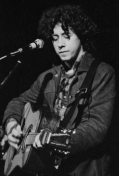 Arlo Guthrie performing at Woodstock on August 15, 1969.