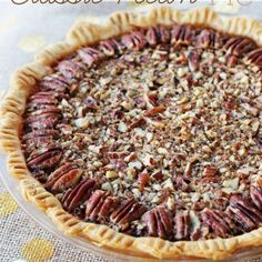 This recipe for classic pecan pie at Positively Splendid looks absolutely delicious! Perfect for Thanksgiving dessert! Köstliche Desserts, Delicious Desserts, Dessert Recipes, Cheesecake Recipes, Yummy Food, Pecan Pies, Pecan Cheesecake Squares, Apple Cake Recipes, Pecan Recipes