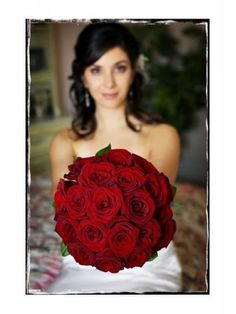 Red roses is the bouquet I want for my wedding..