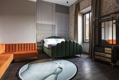〚 Ancient details and industrial style: modern hotel Chapter in Rome 〛 ◾ Photos ◾Ideas◾ Design Velvet Lounge, House Restaurant, Spare Room, Room Set, Industrial Style, Cool Kitchens, Interior Design, Modern, Rome Italy