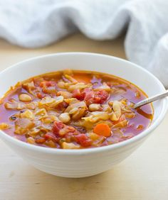 Easy White Bean & Cabbage Soup- simple, healthy and comforting! #cleaneating #detox #vegan