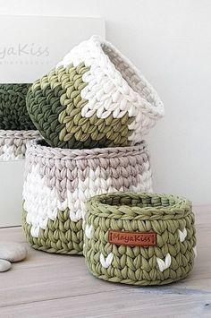 35 Free Combed Rope Round Knitting Basket Models Using New 2019 - Page 23 of 35 - clear crochet Crochet Basket Pattern, Knit Basket, Basket Weaving, Crochet Motifs, Knit Crochet, Crochet Patterns, Yarn Projects, Crochet Projects, Crochet Storage