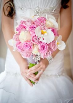 Pink roses wedding bouquet - Kristen Taylor Photography