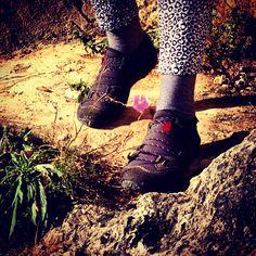 Jasmin walking in her #Lizard shoes #KrossTerra3S #Lizardfootwear #LizardTester www.lizardfootwear.com