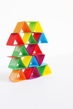 Engineering for Kids: Make building blocks out of paper! Science & Engineering for kids: Paper building blocks. Creative Activities, Science Activities, Science Experiments, Activities For Kids, Baby Activites, Stem Science, Preschool Science, Science For Kids, Elementary Science