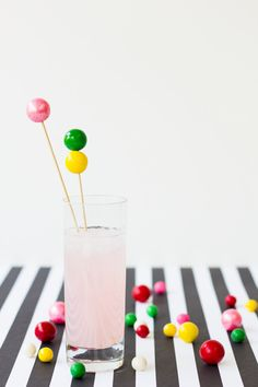 DIY Gumball Drink Stirrers by studiodiy #Party #Drink_Stirrers #Gumball