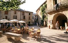 roussillon france - Terrasje in de Hérault © ATOUT FRANCE/Catherine Bibollet