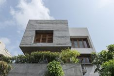 H-Cube House | Studio Lagom The H-Cube House in Surat strikes a contemporary and modern note in a nondescript urban milieu.SEE FULL PROJECT HERE.