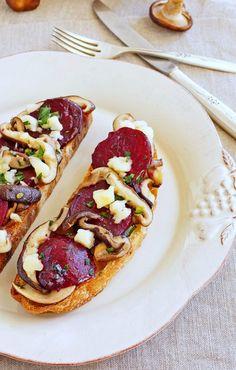 Roasted Beet and Shiitaki Mushroom Tartines / Patty's Food