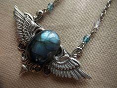 Collier ailes d'ange labradorite par Anaïs Faë