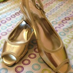 Kids shoes. color metallic silver/gold. Jessica simpson color metallic silver/gold. Size 1m. Kids shoes. Jessica Simpson Shoes