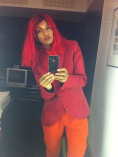 M.I.A dyes her hair bright red!