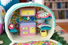 Crochet Camper Van. Greedy For Colour. ~❀CQ #crochet #home  https://www.pinterest.com/CoronaQueen/crochet-for-the-home-corona/