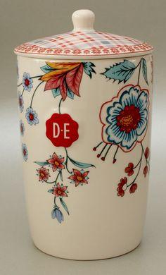 Hylper Heritage bewaarpot van Douwe Egberts var on primaries n r wht n bl. Bl discord, my favorite.