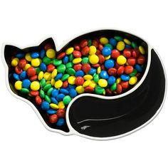 Want! --> sneakpeeq's resident Beauty Cat only eats food out of this bowl. Cheeky kitty.