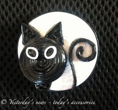 Quilled paper fridge magnet by Yesterday's news - today's accessories