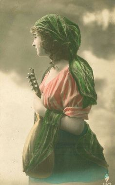 LOTS of vintage images at my sister's site!