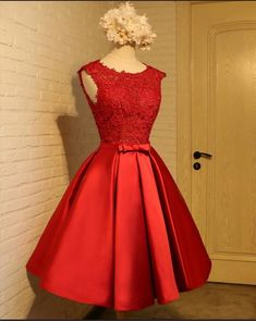 Cheap Sleeveless Party Homecoming Dress Short Champagne Party Dresses With Backless Bowknot Glorious Dresses