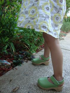hanna anderson clogs for girls