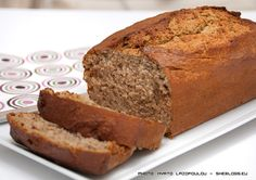 Had a few ripe bananas so instead of throwing them away I've transformed them into this easy and healthy banana loaf. Best Banana Bread, Banana Bread Recipes, Baking Recipes, Cake Recipes, Chocolate Chip Recipes, Loaf Cake, Simply Recipes, Healthy Desserts, Healthy Cooking